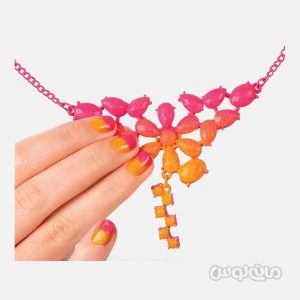لاک صورتی و نارنجی همراه با گردنبند استایل می آپ