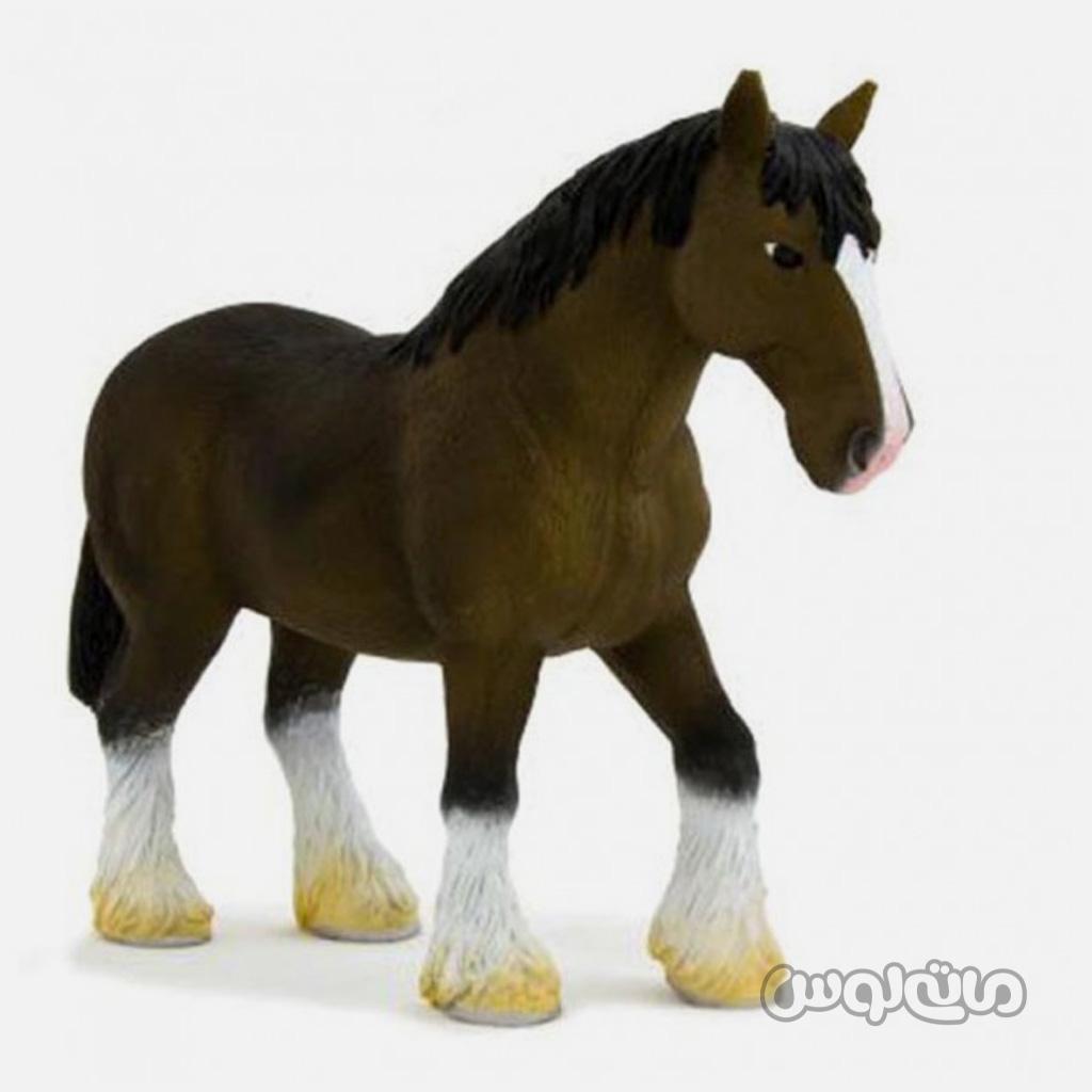 فیگور اسب هانوورین قهوه ای موجو