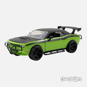 اتومبیل مدل دوج سبز مشکی چلنجر srt8 از رو به رو مایل به چپ